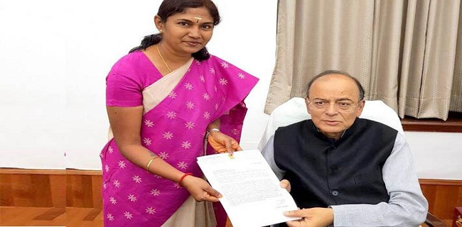 Tiruppur MP raises knitwear industry issues with FM