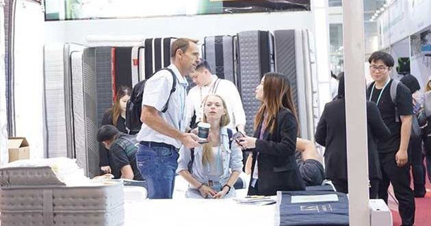 Chinese firms show products for digital age at Canton fair