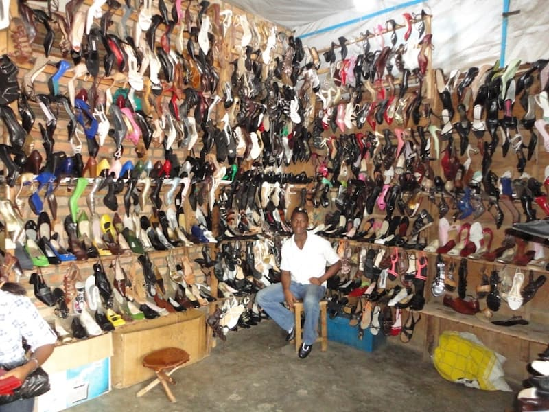 shoes-market-Burundi-kohan-journal